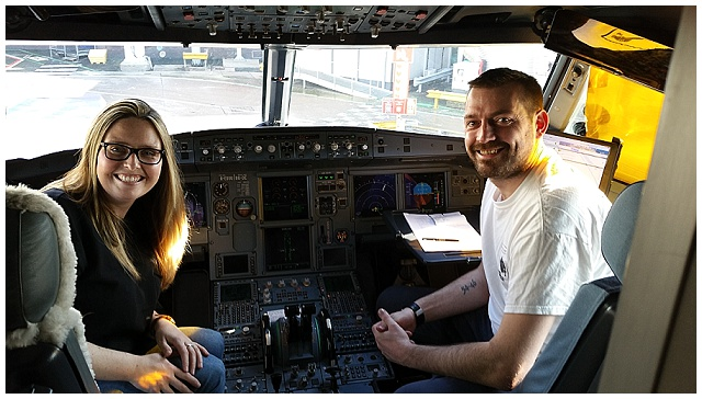We sat in a cockpit. We sat in a cokpit!!!!!